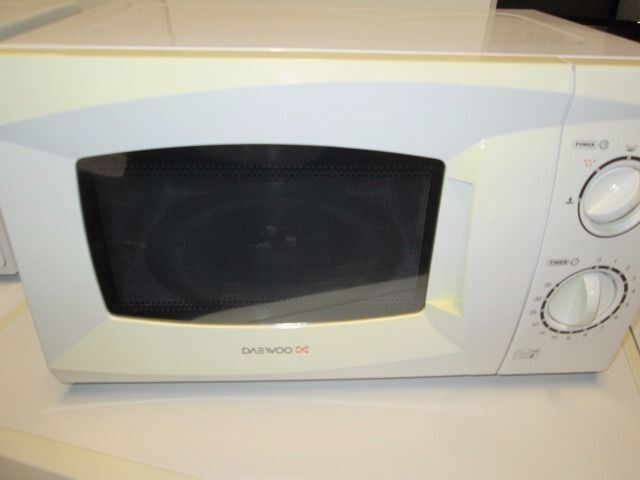 ***CHEAP***DAEWOO MICROWAVE+VERY CLEAN+GREAT WORKING ORDER+GREAT CONDITION***