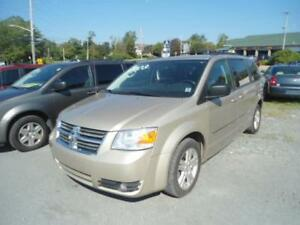 2008 CARAVAN STOW&GO LOADED NEW MVI AND NEW TIRES UPON SALE!