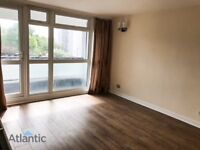 Large 1 Bedroom Flat In Woodford Green, IG8, Local Underground Station, Newly Painted
