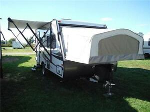 2017 Solaire 147X Luxury Ultra Lite Hybrid Trailer- Only 3189LBS