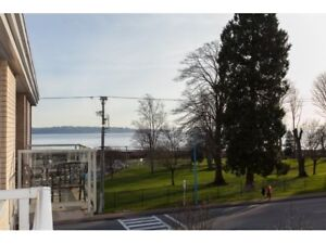 2 bedroom Apartment - White Rock Beach - Fully Furnished