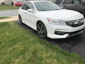 Beautiful 2017 Honda Accord Touring in Perfect Condition