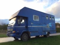 7.5 ton horsebox. 3 horses, Living with fridge, hob, 2 double beds. V reliable. Plated to Sept 2018