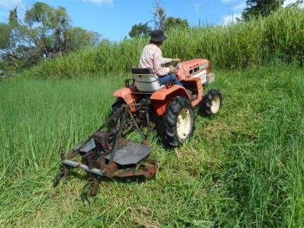 Kubota B1402 4wd tractor with mower Wolvi Gympie Area Preview