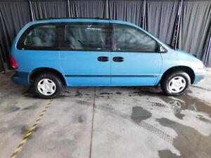1998 Dodge Caravan Minivan, Van