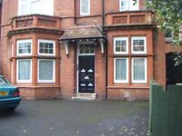 **ONE BEDROOM FLAT**STRENSHAM HILL**MOSELEY**OFF STREET PARKING**IDEAL FOR WORKING PROFESSIONALS**
