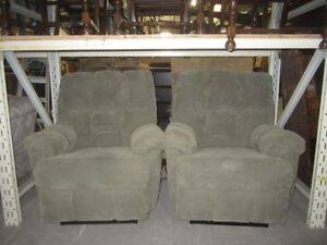Matching recliners - 6904O