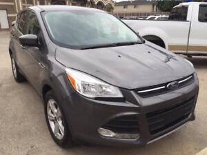 2014 Ford Escape SE/4WD/LIKE NEW/WE FINANCE 2% interest