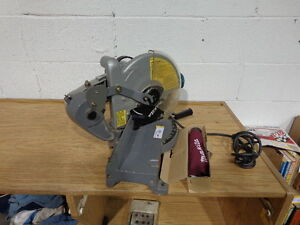 Makita 255 Miter Saw Model LS1020. Online, Excell Auctions