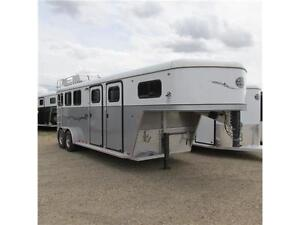 New 2014 Royal T Imperial X 3 Horse Gooseneck SHOW TRAILER