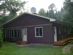 Chalet à louer \ Cottage for rent Mont-tremblant (Laurentides)