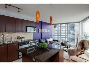Gorgeous 1 br and Den Apartment. 25th Floor–Ocean & City Views Downtown-West End Greater Vancouver Area image 2