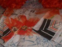 King Size Reversible Duvet Set Orange/Black with 2 Matching Pillowcases & 2 Lovely New Cushions