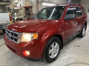 2009 Ford Escape XLT AWD A-1 GAR 1 AN FINANCEMENT DISPONIBLE
