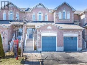 3 Beds 3 Baths Condo Townhouse at 21 EASTVIEW GATE, Brampton