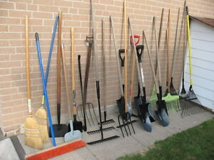 Shovel buy or sell outdoor tools storage in toronto for Gardening tools toronto