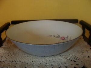 Bol de service signé Rosalinda, fine porcelaine Japon