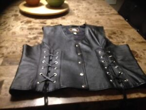 WOMENS LEATHER VEST WORN ONCE MUST SEE