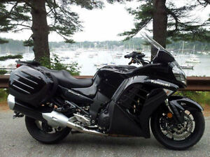 2009 Kawasaki Concours 1400 - ONLY 13,000KM - READY TO ROLL!