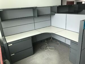 Cubicles, Global Evolve workstations in excellent condition $599