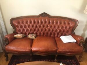 COUCH LEATHER COUCH SET WITH MATCHING CHAIRS