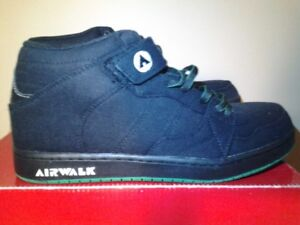 Airwalk Shoes (black, new in box)