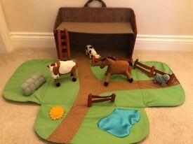 Fabric Farm Play Mat/Barn