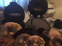Mapex Horizon - 22inch Drum Kit, Black. PLUS Paiste PST 8 14/16/20 Universal Set Cymbal Pack