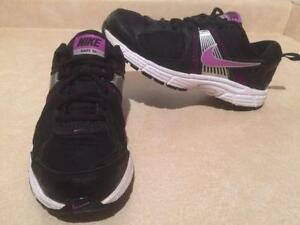 Youth Nike Dart 10 Running Shoes Size 5 Y