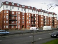 EXCELLENT ROOM AVAILABLE IN 5 BEDROOM HOUSE SHARE IN BRENT VIEW HOUSE, GOLDERS GREEN, NW11 9LE