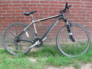 trek bike for ~5feet 11inch or ~1m80 person(negociable price)