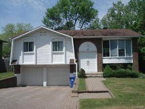 M Immobilier – House for Rent in Prime West Island