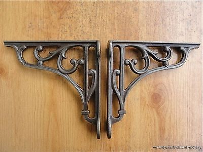 A PAIR OF CLASSIC VICTORIAN SCROLL SHELF BRACKETS 6 INCH BRACKET CAST IRON