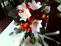 mariage: bouquet fleurs, centre tables, déco., choregraphie, dj