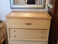 Dresser for sale (missing a leg)