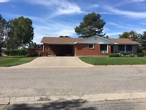 Beautifull all brick bungalow corner lot in Chelmsford for sale