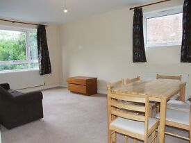 FANTASTIC TWO BEDROOM FLAT TO RENT MOMENTS FROM TUBE!!!!!