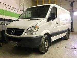 SELLING 2011 Mercedes-Benz Sprinter Van 2500