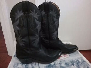 Like New Womens Boulet Cowboy Boots