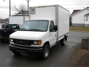 FORD E-350 SD 2003 CUBE 12 PIEDS SIMPLE ROUE FINANCEMENT FACILE