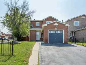 3+1 House With Finished Basement Apartment (Near Sheridan)