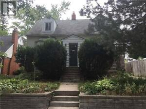 112 Baker Ave Richmond Hill Ontario Great house for sale!