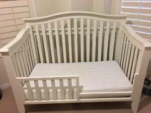 pali salerno baby crib and change table