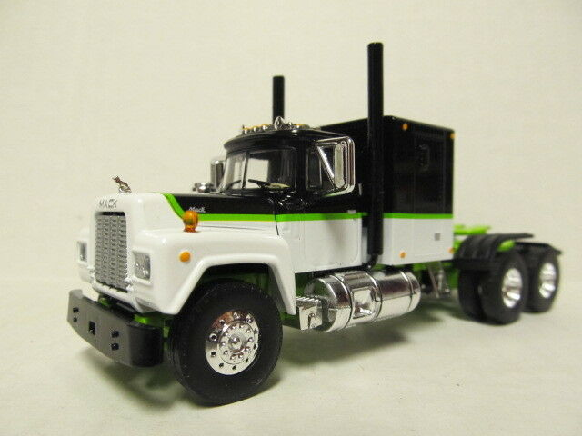 1ST GEAR 1/64 SCALE R MODEL MACK, SLEEPER CAB, WHITE, BLACK & GREEN   DCP SCALE