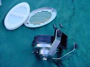 BOAT-HORN-FLUSH-MOUNT-WITH-STAINLESS-COVER-MARINE-12-V-NEW-FLUSH-MOUNT