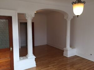 Beautiful renovated apartment on Plateau