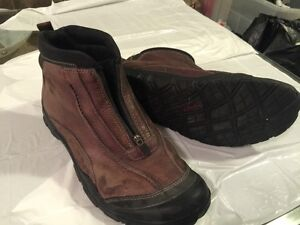 Clarks Ankle Boots - Zip Up - Size 14