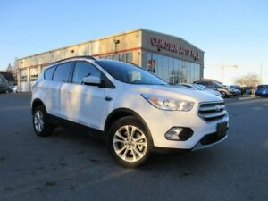 2017 Ford Escape SE 4X4, ROOF, ALLOYS, BT, 19K!