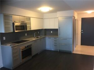 1 Bedroom + 1 Den Condo W/Bright And Spacious Clear South View