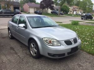 2007 Pontiac G5 Automatic 98,000k (winter tires and rims incld')